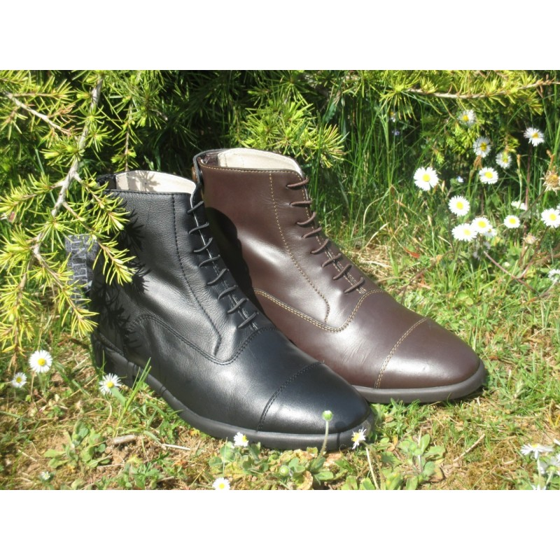 BOOTS CUIR A LACETS